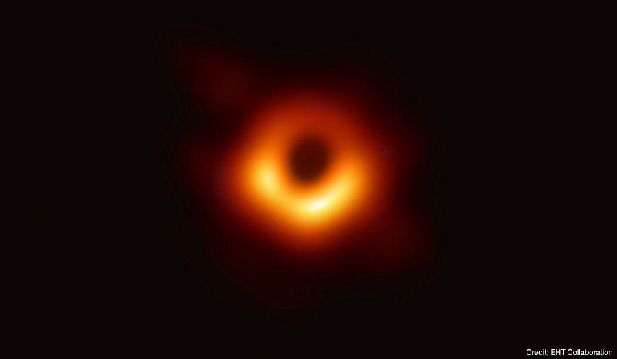 ブラックホールの画像:国立天文台HPより